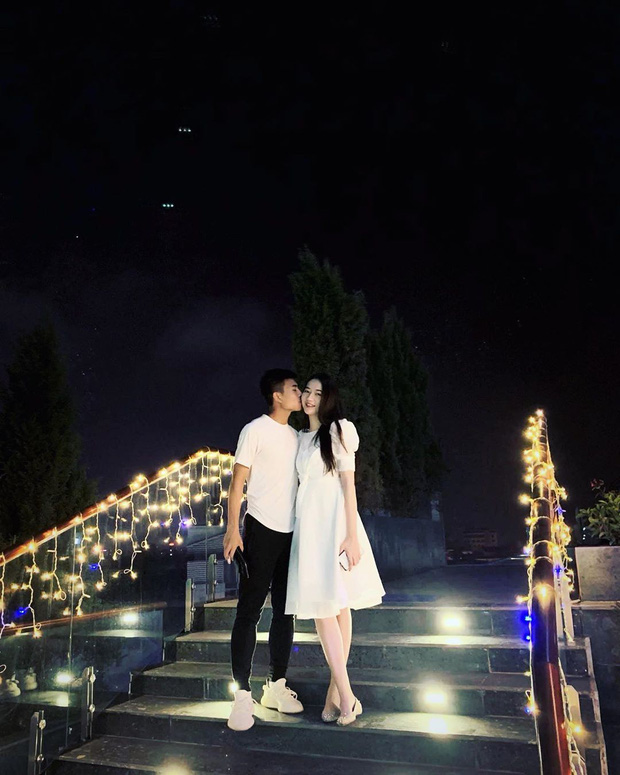 Sao U23 Việt Nam khéo nịnh bạn gái Hoa khôi, lại nhận được câu trả lời phũ phàng khiến fan đứng hình mất vài giây - Ảnh 3.