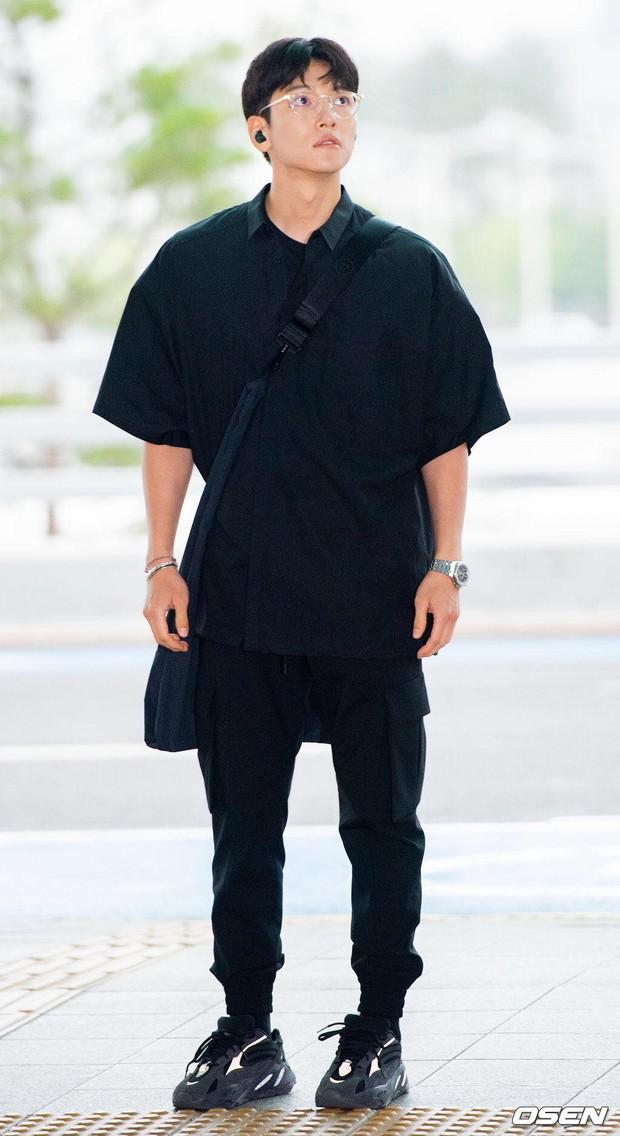 Tài tử Hoàng hậu Ki Ji Chang Wook đẹp trai hết nấc tại sân bay Hàn, chuẩn bị đến Hà Nội trong vài tiếng nữa - Ảnh 2.