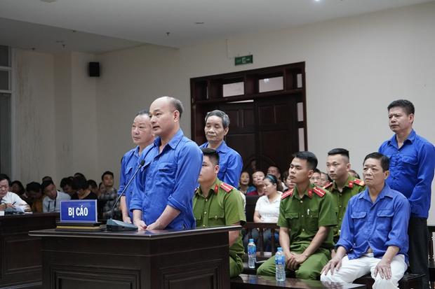 Tiểu thương chợ Long Biên từng 2 lần muốn tự tử, bật khóc khi giáp mặt trùm bảo kê Hưng Kính tại tòa - Ảnh 3.