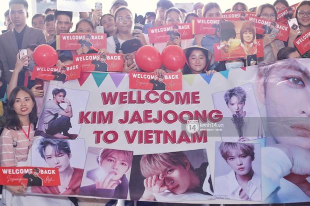 Vị thần phương Đông Jaejoong (JYJ) đầy bảnh bao tại sân bay Tân Sơn Nhất, khiến fan Việt vỡ òa khi trở lại sau 7 năm - Ảnh 9.