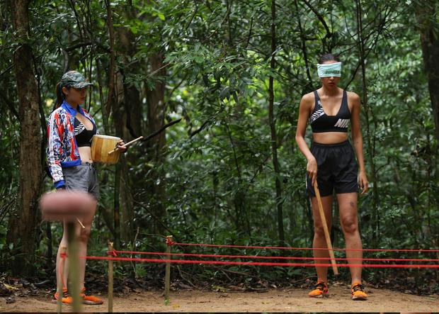 Cuộc đua kỳ thú tập 4: HHen Niê nhăn nhó vì bị ngã trâu - Ảnh 6.