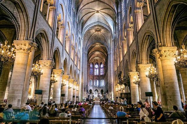 Kiến trúc sư Pháp lo sợ Nhà thờ Đức Bà sụp đổ do nắng nóng - Ảnh 1.