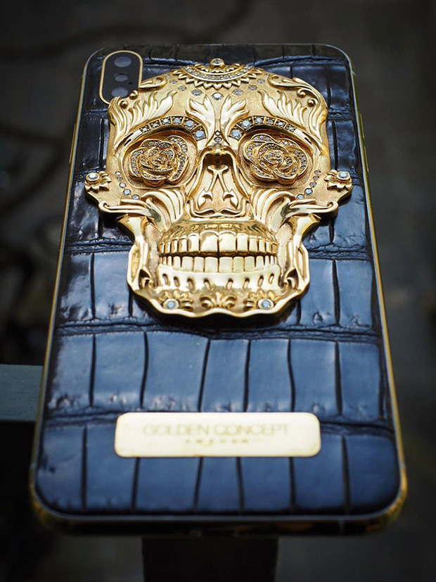 Bạn có dám cầm chiếc iPhone tiền tỷ này ra đường: Bọc da cá sấu, mạ vàng 18K, nạm trăm viên kim cương - Ảnh 3.