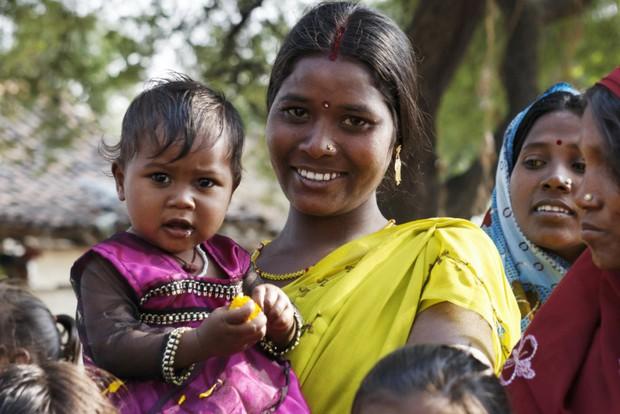 Sinh hơn 200 đứa trẻ mà không có lấy một bé gái, 132 ngôi làng Ấn Độ chính thức bị điều tra - Ảnh 2.