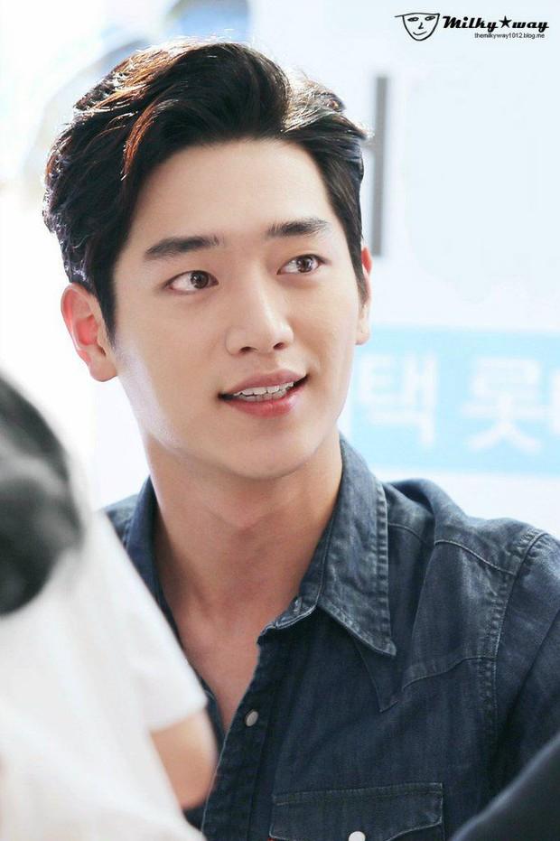 Top 3 sao nam được đàn ông Hàn chọn làm hình mẫu dao kéo: Park Bo Gum đẹp trai thế mà còn phải thua tài tử kém nổi - Ảnh 4.