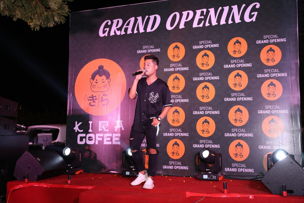Hoàng Dũng The Voice, Dương Trần Nghĩa và FatB quẩy tưng bừng tại Kira Coffee & Lounge - Ảnh 10.