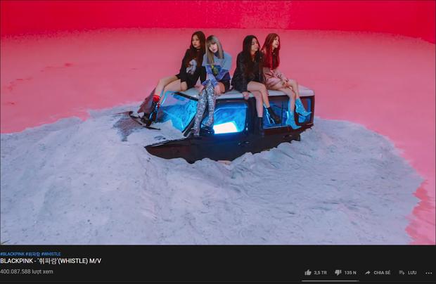 MV debut nào vừa cán mốc khủng trong lịch sử mà trước đó chỉ BOOMBAYAH của BLACKPINK mới làm được? - Ảnh 1.