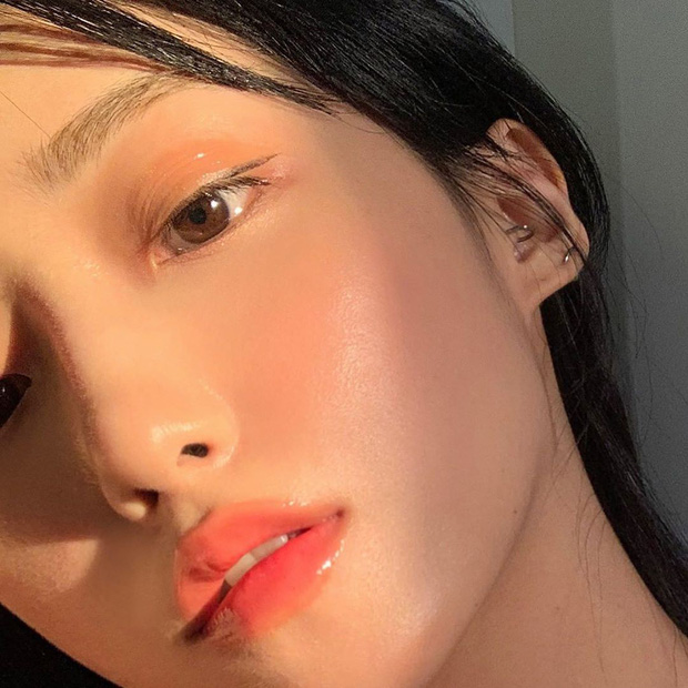 Makeup bóng mướt để chụp selfie ảo như các beauty blogger chẳng hề khó nếu bạn nắm được 5 bí kíp đơn giản - Ảnh 4.