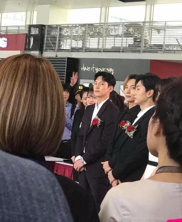 Độc quyền sự kiện hot nhất tại Hà Nội: Ji Chang Wook và Suju ăn diện bảnh bao, Hari Won và em chồng Hà Tăng cũng có mặt - Ảnh 9.