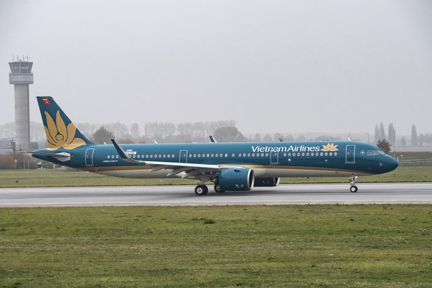 Máy bay đi Vinh hạ cánh khẩn cấp tại Đà Nẵng để cấp cứu nữ hành khách bị chảy máu ngực - Ảnh 1.