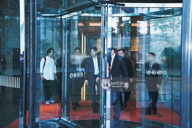 Độc quyền: Tài tử Ji Chang Wook diện vest điển trai như tổng tài, khí chất ngút ngàn tại khách sạn trước sự kiện ở Hà Nội - Ảnh 1.