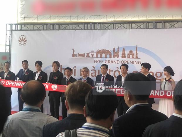Độc quyền sự kiện hot nhất tại Hà Nội: Ji Chang Wook và Suju ăn diện bảnh bao, Hari Won và em chồng Hà Tăng cũng có mặt - Ảnh 2.