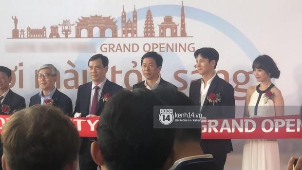 Độc quyền sự kiện hot nhất tại Hà Nội: Ji Chang Wook và Suju ăn diện bảnh bao, Hari Won và em chồng Hà Tăng cũng có mặt - Ảnh 3.