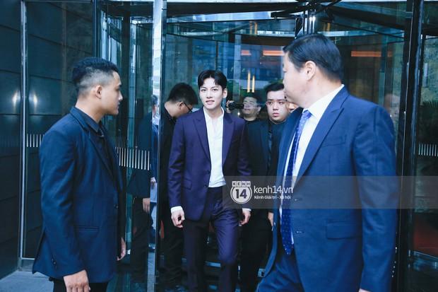 Độc quyền: Tài tử Ji Chang Wook diện vest điển trai như tổng tài, khí chất ngút ngàn tại khách sạn trước sự kiện ở Hà Nội - Ảnh 6.