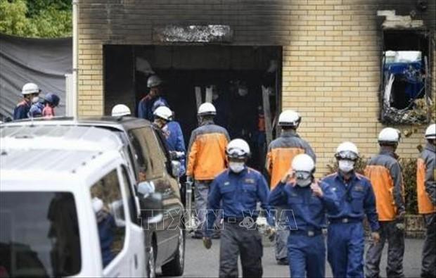 Khám xét nhà nghi phạm phóng hỏa xưởng phim khiến 34 người thiệt mạng - Ảnh 1.