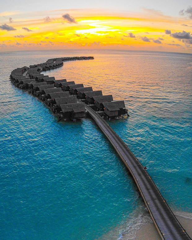 Góc ngược đời: Ngày xưa thì tranh nhau ở resort 5 sao nhưng giờ ai đi Maldives cũng đòi... ra giữa biển ngủ!  - Ảnh 11.