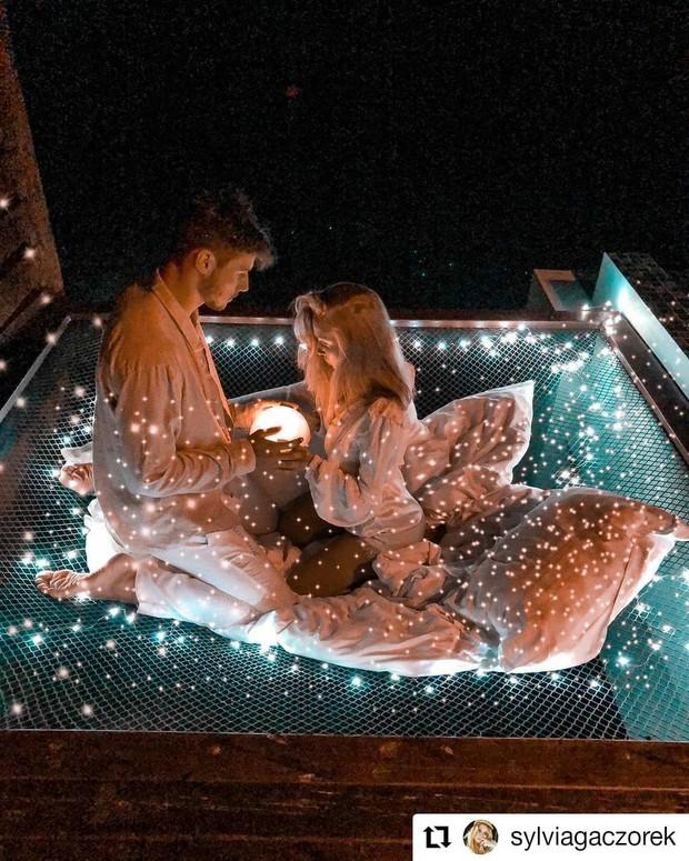 Góc ngược đời: Ngày xưa thì tranh nhau ở resort 5 sao nhưng giờ ai đi Maldives cũng đòi... ra giữa biển ngủ!  - Ảnh 15.