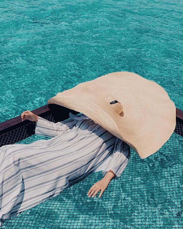 Góc ngược đời: Ngày xưa thì tranh nhau ở resort 5 sao nhưng giờ ai đi Maldives cũng đòi... ra giữa biển ngủ!  - Ảnh 13.