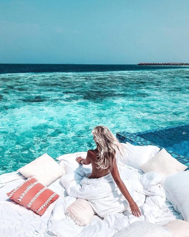 Góc ngược đời: Ngày xưa thì tranh nhau ở resort 5 sao nhưng giờ ai đi Maldives cũng đòi... ra giữa biển ngủ!  - Ảnh 18.