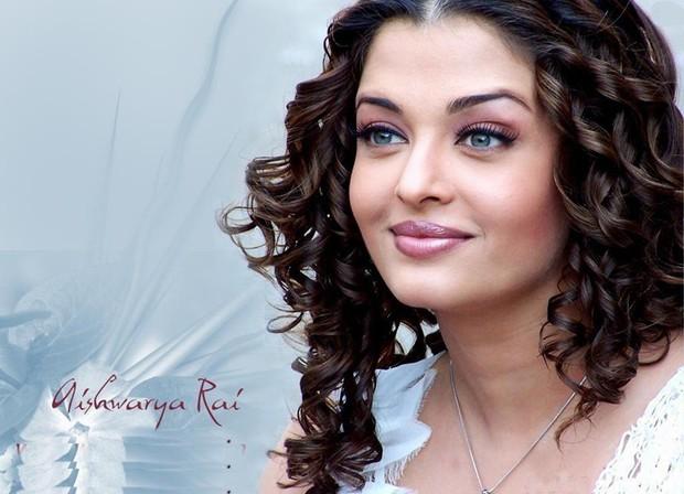 Top 10 phụ nữ nổi tiếng có đôi mắt đẹp nhất thế giới theo Wonderslist - Ảnh 1.