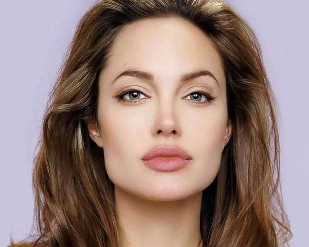 Top 10 phụ nữ nổi tiếng có đôi mắt đẹp nhất thế giới theo Wonderslist - Ảnh 2.