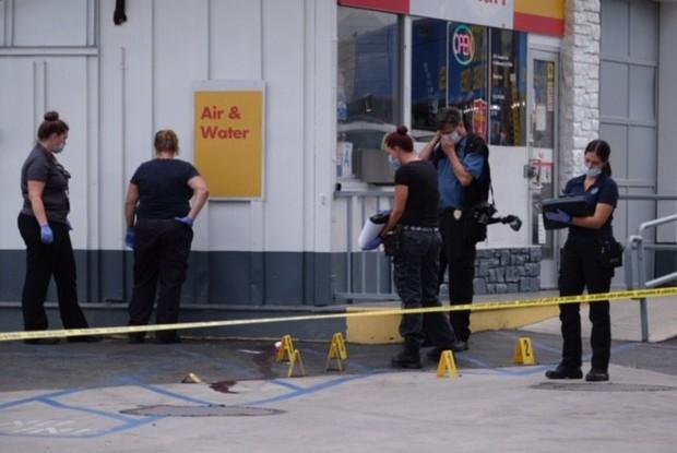 Cuộc tàn sát trải dài 12 tiếng của kẻ xả súng Mỹ, 4 người chết - Ảnh 8.