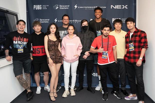 Chơi game có thể không hay, nhưng thần thái và nhan sắc của Chi Pu ăn đứt loạt khách mời tại Chung kết PUBG Mobile thế giới - Ảnh 3.