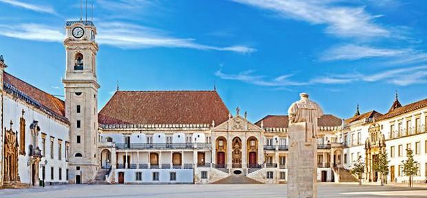 Top 10 trường đại học lâu đời nhất trên thế giới, có nơi từng đào tạo 3 vị Giáo hoàng và 26 Thủ tướng Anh - Ảnh 9.