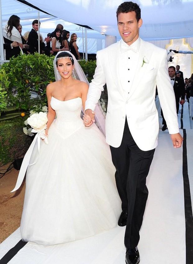 Loạt bê bối gây dựng nên đế chế triệu đô Kardashian: Từ rò rỉ clip mây mưa đến ly hôn nhanh nhất lịch sử Hollywood - Ảnh 4.