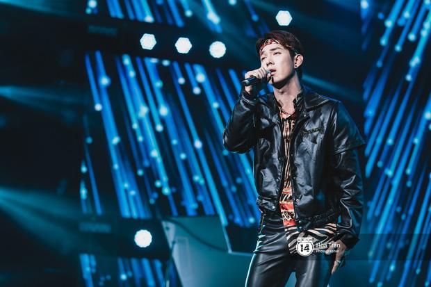 Jaejoong (JYJ) điển trai phát hờn, Hyomin sexy đọ sắc cùng Hoàng Thùy Linh và dàn nghệ sĩ Vpop tại show Hàn - Việt - Ảnh 10.