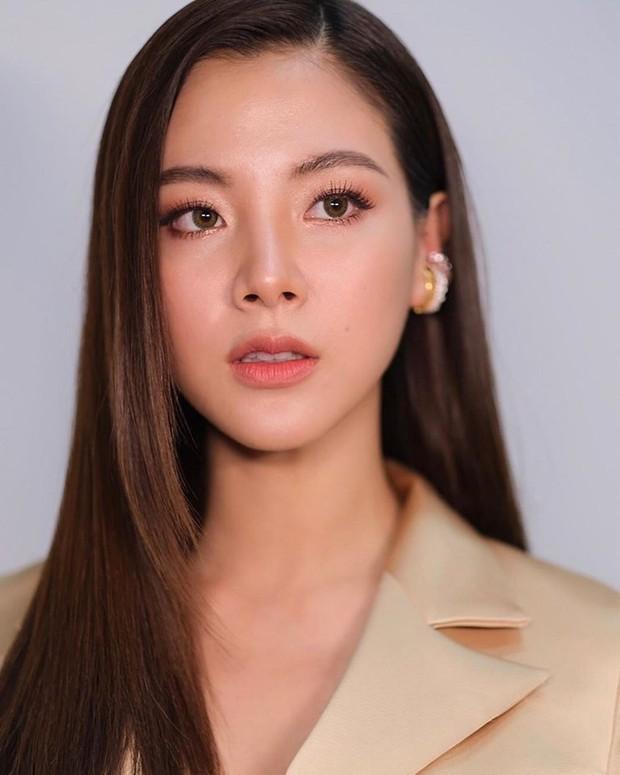 Quá nhập tâm cho vai Nira trong Chiếc Lá Bay, Baifern Pimchanok phải điều trị tâm lý để thoát vai - Ảnh 5.