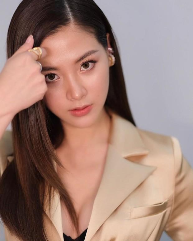 Quá nhập tâm cho vai Nira trong Chiếc Lá Bay, Baifern Pimchanok phải điều trị tâm lý để thoát vai - Ảnh 6.
