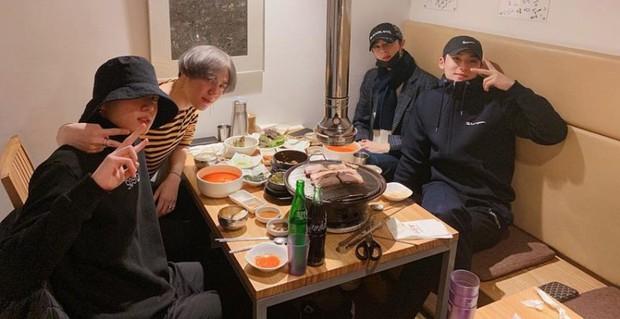 Jung Kook (BTS) tặng xe cafe ủng hộ phim mới của trai đẹp Cha Eun Woo, ai nấy cũng khen cặp này đẹp đôi thế! - Ảnh 6.