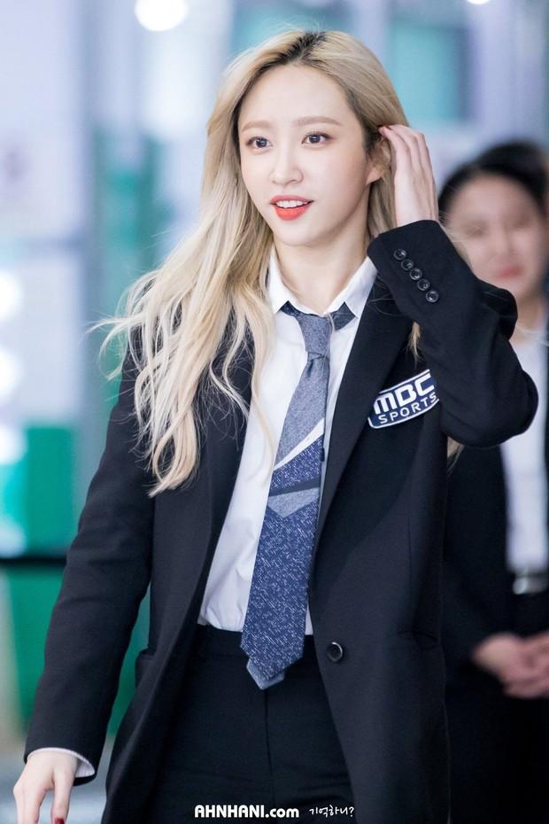 Idol Hàn khi diện suit hầu như thành soái tỷ nhưng lột xác nhất là Sana còn gây hoang mang nhất là Lisa - Ảnh 1.