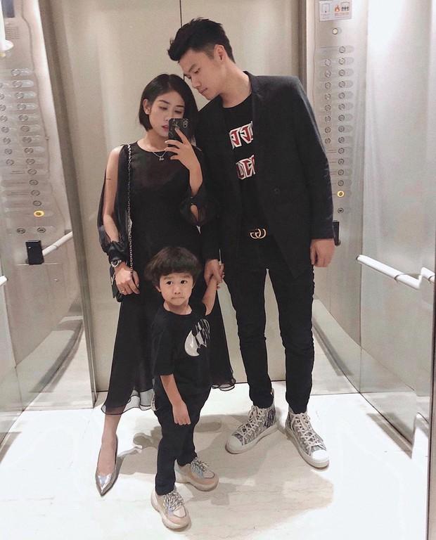 Street style hot mom: Meo Meo diện trend bút nhớ dòng, chị dâu Bảo Thy khoe dáng nuột dù mới sinh không lâu - Ảnh 3.