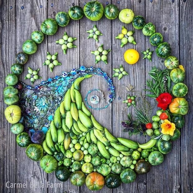 Không những sở hữu khu vườn với đủ loại rau xanh và trái ngọt, bà mẹ 2 con này còn xếp củ quả chụp ảnh siêu đẹp - Ảnh 23.