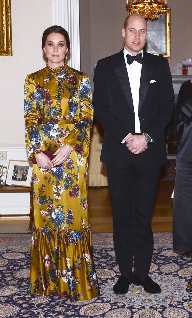 4 lỗi trang phục của công nương Kate Middleton từng mắc phải: Từ lộ nội y đến thiếu tinh tế đều có đủ - Ảnh 6.