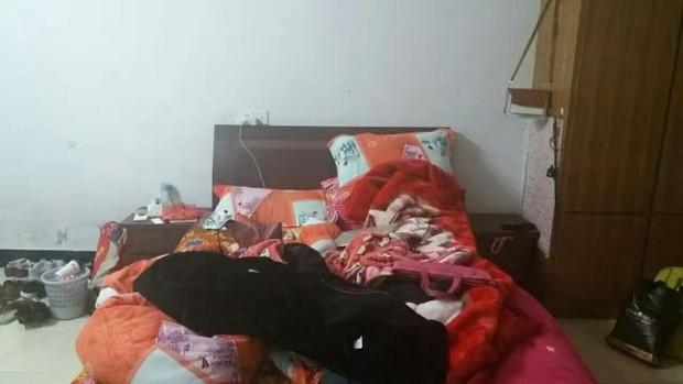 Hụt hẫng khi thấy phòng trọ lộn xộn như ổ chuột, nữ sinh 18 tuổi cải tạo thành không gian sống ấm áp xinh đẹp - Ảnh 1.