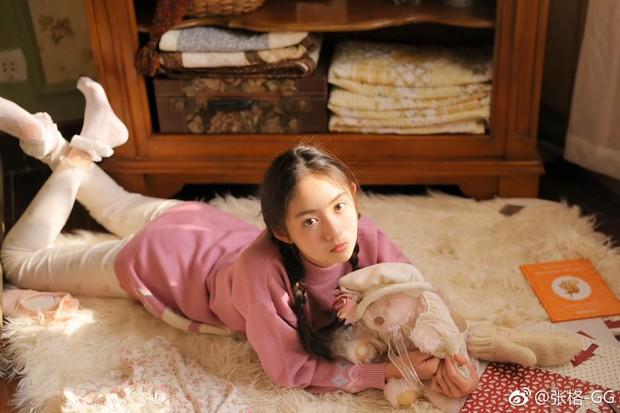 Tiểu Ngải Trương Cách của Cá Mực Hầm Mật: Là sao nhí nổi tiếng, nhan sắc tựa nữ thần ở tuổi 12 - Ảnh 9.