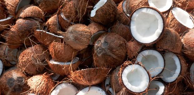 Khám phá 4 lợi ích giúp bạn khoẻ từ đầu đến chân của một quả dừa - Ảnh 1.