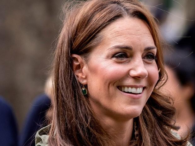 Da nhăn nheo bỗng căng mịn, Công nương Kate bị thẩm mỹ viện rêu rao tiêm botox khiến Hoàng gia Anh phải dẹp loạn - Ảnh 4.