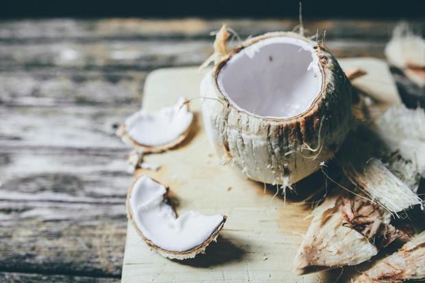 Khám phá 4 lợi ích giúp bạn khoẻ từ đầu đến chân của một quả dừa - Ảnh 4.