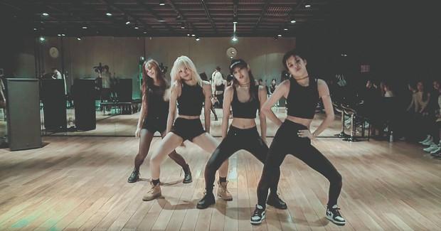 Có thể bạn chưa biết: Chỉ sương sương các video dance practice, BlackPink cũng đã bỏ túi tỷ view trên YouTube - Ảnh 1.