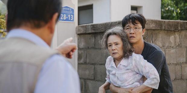 Bi kịch gia đình xót xa của Điều Ba Mẹ Không Kể: bao nhiêu oán trách, lỗi lầm rồi cũng tìm được đường để quay về - Ảnh 8.
