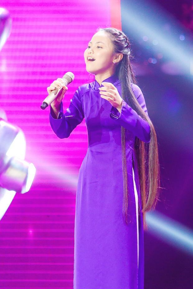 Giọng hát Việt nhí: Lưu Thiên Hương đá xoáy việc làm Hoa hậu, Hương Giang đáp trả sắc bén - Ảnh 10.