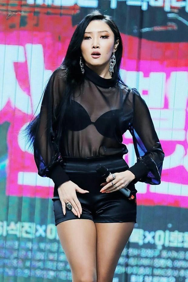 BXH 30 sao nữ hot nhất xứ Hàn hiện tại: Jennie bị tận 2 mỹ nhân vượt mặt, số lượng idol bất ngờ áp đảo diễn viên - Ảnh 1.