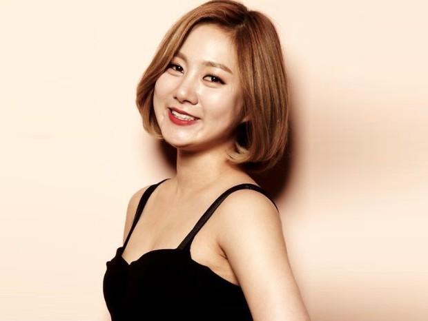 BXH 30 sao nữ hot nhất xứ Hàn hiện tại: Jennie bị tận 2 mỹ nhân vượt mặt, số lượng idol bất ngờ áp đảo diễn viên - Ảnh 4.