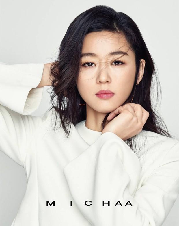 BXH 30 sao nữ hot nhất xứ Hàn hiện tại: Jennie bị tận 2 mỹ nhân vượt mặt, số lượng idol bất ngờ áp đảo diễn viên - Ảnh 9.