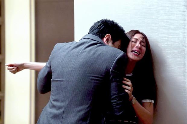 Spoil tình tiết gây sốc trong Chiếc Lá Bay tập 14, 15: Nira bị cưỡng bức, bẽ bàng vì danh tính bại lộ? - Ảnh 3.