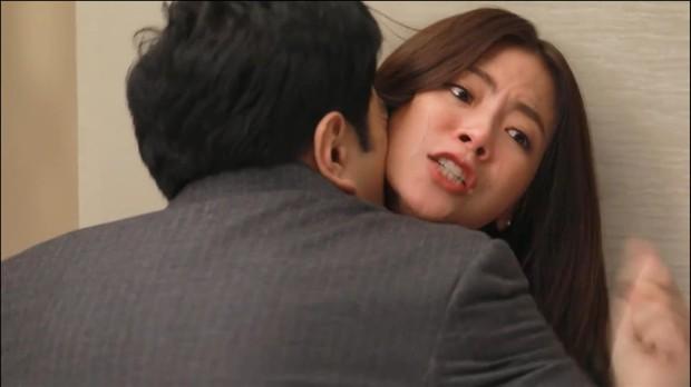 Spoil tình tiết gây sốc trong Chiếc Lá Bay tập 14, 15: Nira bị cưỡng bức, bẽ bàng vì danh tính bại lộ? - Ảnh 4.